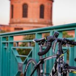 Vélo sur le pont Saint-Pierre